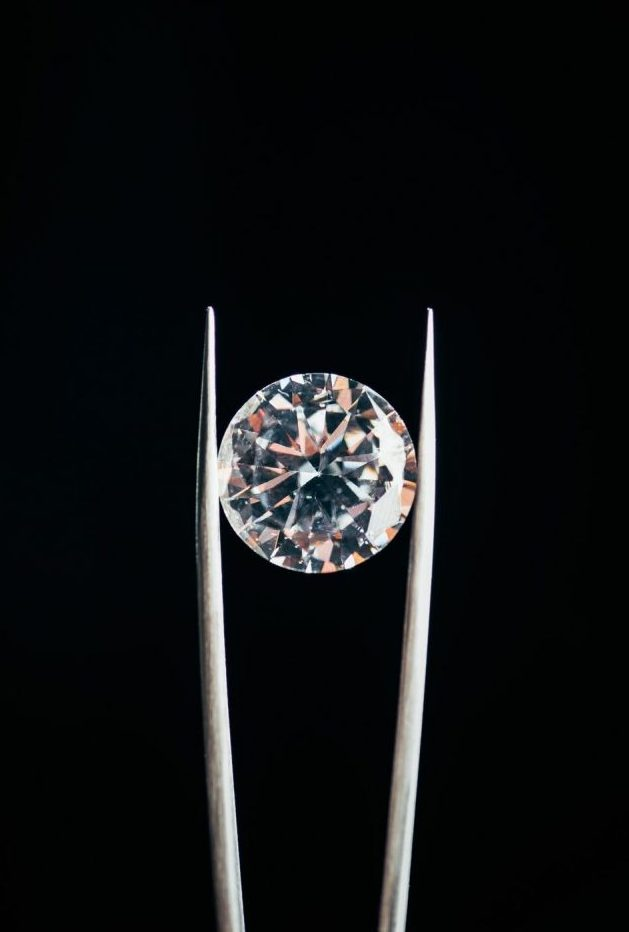Transparent Pure Shiny Diamond In Tweezers, 600px Tall